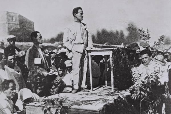 Картинки по запросу Палестинский павильон на Всероссийской сельскохозяйственной кустарно-промышленной выставке в Москве. 1923